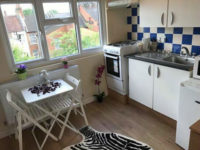 Studio flat available now!!!nw10 9pb £220 week all bills included